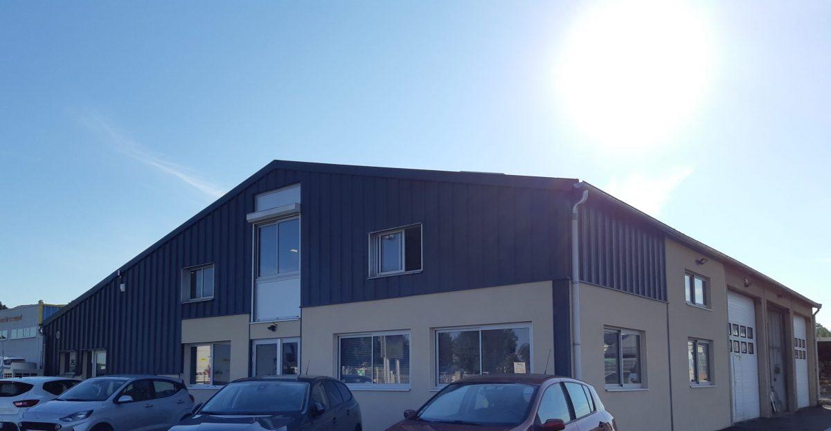 Réhabilitation et extension des bureaux Aximum, Pont-Du-Château, maître d'Œuvre Cairn MOE